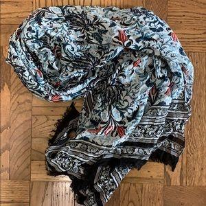Loft patterned scarf
